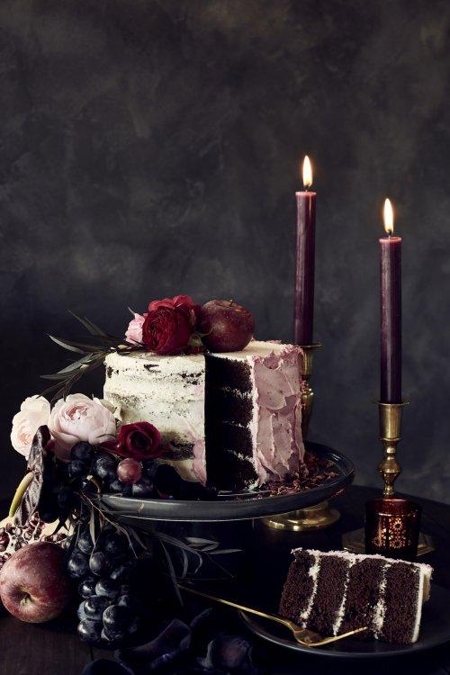 Charcoal Grey Stoneware Cake Stand